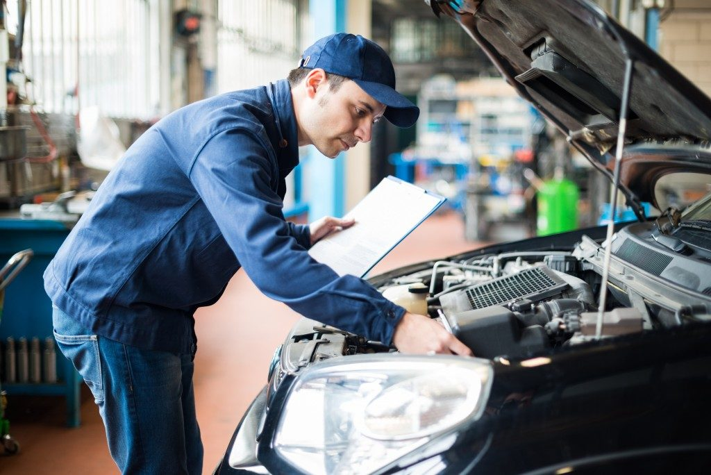 engine maintenance check